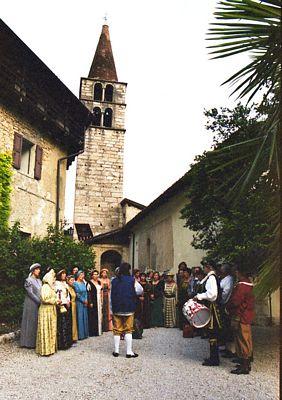 2002 POMAROLO TN NEL CORTILE DI CORTE