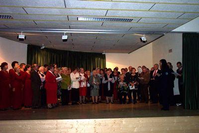 2003 CANTANDO IN ALLEGRIA CON IL CORO DEL CENTRO DIURNO